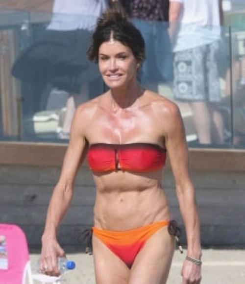 11 mỹ nhân mặc bikini xấu nhất thế giới! - 7