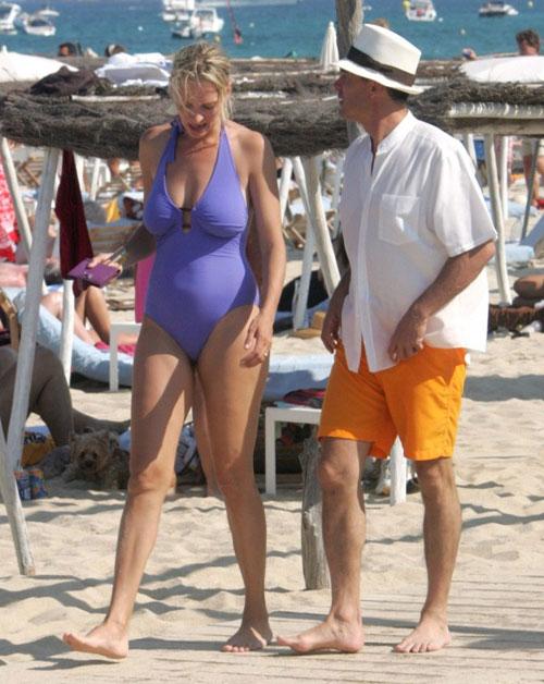 11 mỹ nhân mặc bikini xấu nhất thế giới! - 2