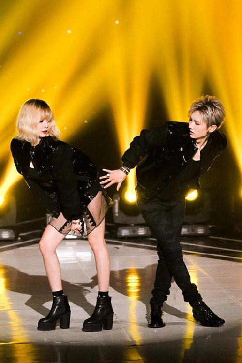 Mặc hở, nhảy gợi dục lan tràn showbiz Hàn! - 2