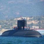 Tin tức trong ngày - Tàu ngầm Hà Nội vào cảng Cam Ranh an toàn