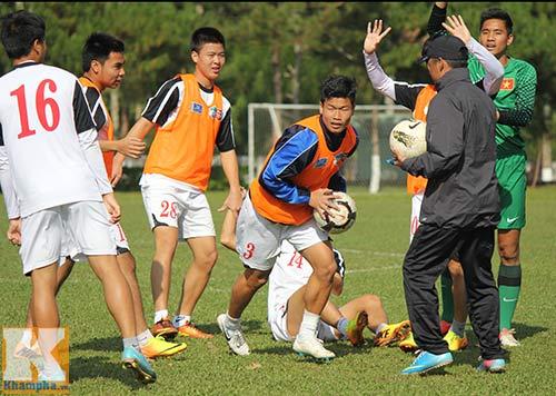 U19 Việt Nam cười tươi trước giờ xuống núi - 4