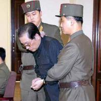Thực hư vụ chú Kim Jong-un bị xử bằng chó đói