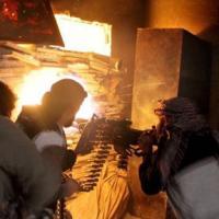 Phe nổi dậy Syria quay súng bắn nhau dữ dội