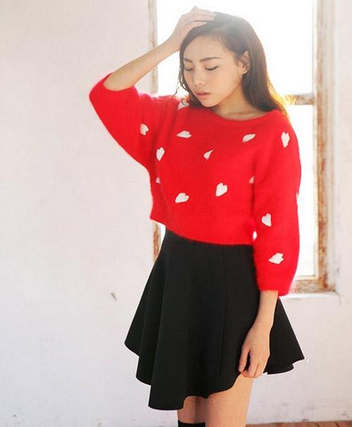 Cách diện áo len dáng ngắn thật cá tính - 5