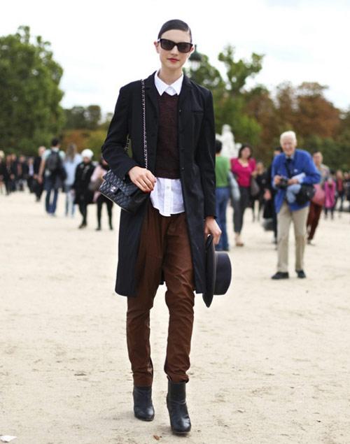 Cách diện áo len dáng ngắn thật cá tính - 3