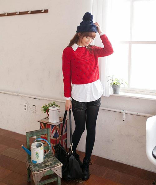 Cách diện áo len dáng ngắn thật cá tính - 1