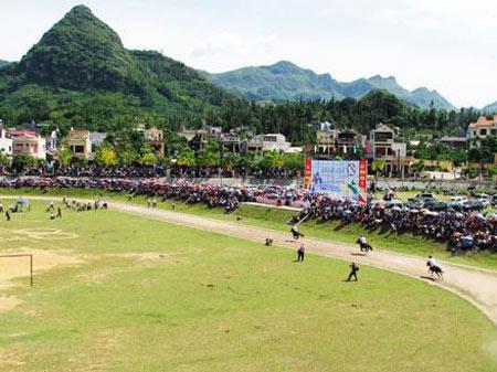 Hà Nội: Tái hiện lễ hội đua ngựa của người Mông - 1
