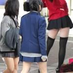 Thời trang - Váy ngắn tấp nập trên đường phố Nhật