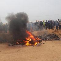 Công nhân đốt xe, ẩu đả với bảo vệ ở nhà máy Samsung