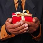 """Tin tức trong ngày - Cấm tặng quà tết: """"Sếp không thích thì ai dám biếu"""""""