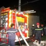 Tin tức trong ngày - Cháy cơ sở gỗ trong đêm, 5 công nhân thoát chết