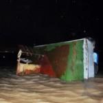 Tin tức trong ngày - Sà lan đâm nhau, 4 người rơi xuống biển