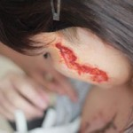 Tin tức trong ngày - Cô gái bị xăm rết lên mặt: Không khởi tố chủ tiệm xăm