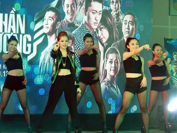Hot girl Việt và những tài lẻ ít ai biết - 2