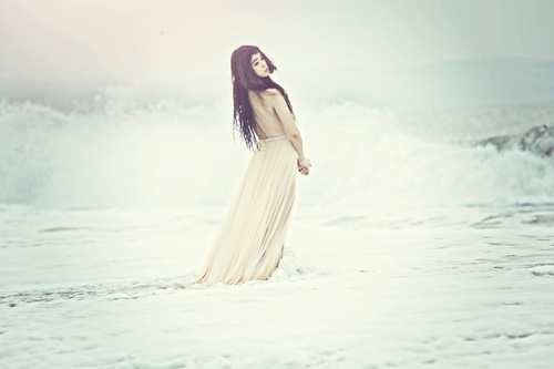 Đồng Lan bán nude trên biển - 6