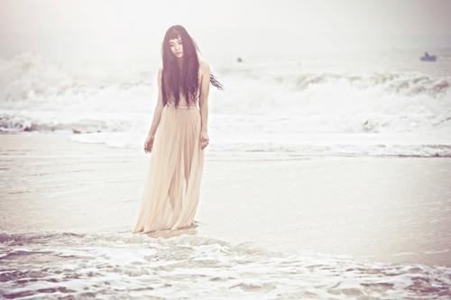 Đồng Lan bán nude trên biển - 9