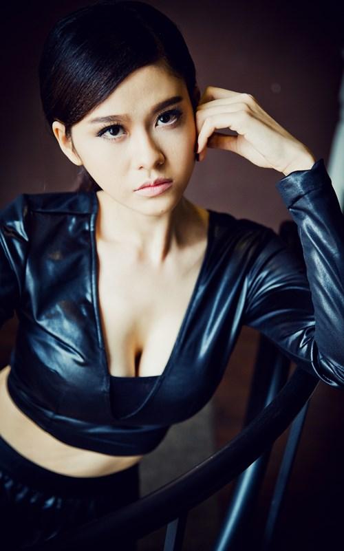 Gái 1 con Trương Quỳnh Anh đẹp bốc lửa - 16