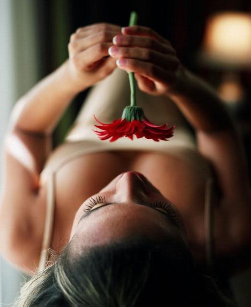 Đàn ông có hứng thú với ngực bơm? - 1