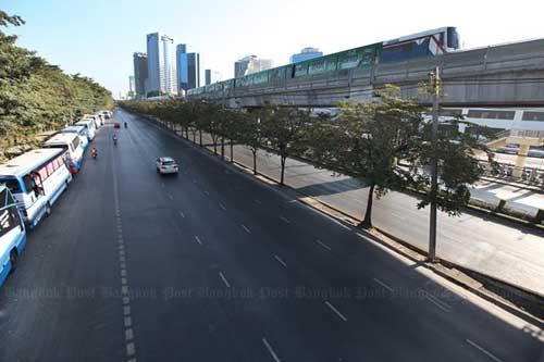 """Ảnh: Thủ đô Thái Lan hỗn loạn vì """"đóng cửa"""" - 1"""
