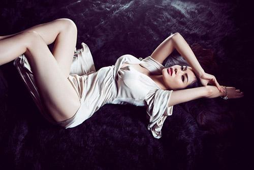 Hoa hậu gốc Việt tại Mỹ bán nude nóng bỏng - 7