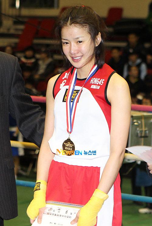 Võ sĩ boxing xứ Hàn nổi tiếng vì quá xinh đẹp - 7