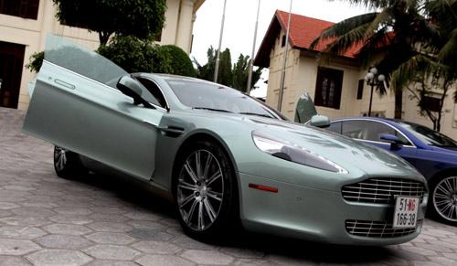 "Aston Martin Rapide ""nữ hoàng"" sedan - 2"