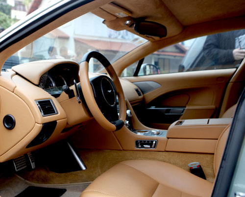 "Aston Martin Rapide ""nữ hoàng"" sedan - 4"