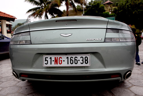 "Aston Martin Rapide ""nữ hoàng"" sedan - 13"