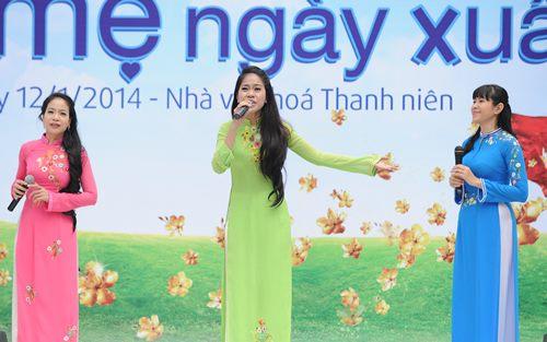"""Đinh Hương nổi bật với """"cây đỏ"""" - 11"""