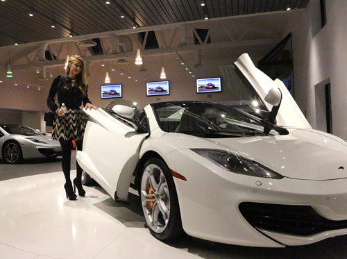 McLaren 12C Spider lọt mắt xanh Paris Hilton - 2