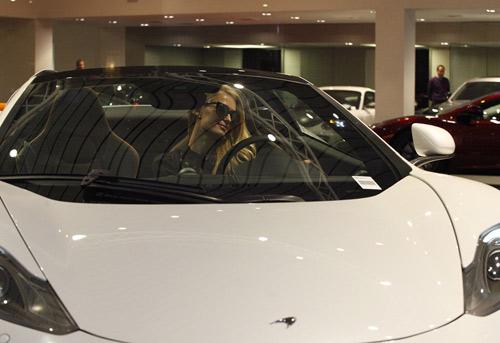 McLaren 12C Spider lọt mắt xanh Paris Hilton - 3