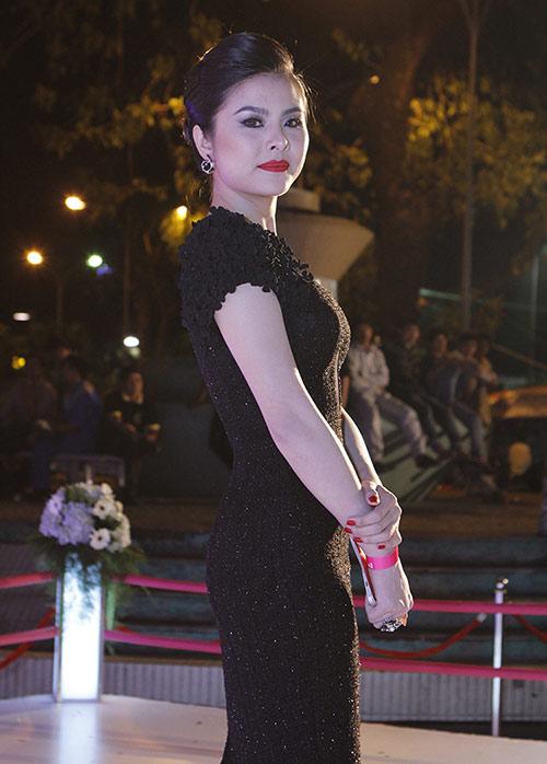 Vân Trang, Victor Vũ lạnh nhạt sánh đôi - 5