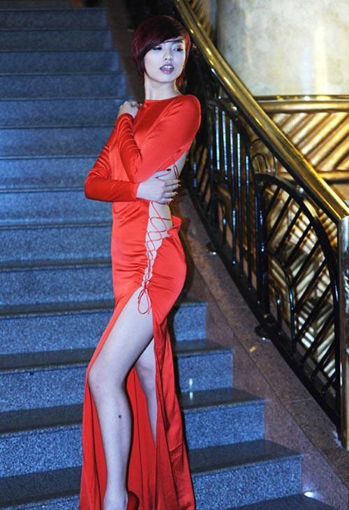 Miranda Kerr mặc bạo như Hồng Quế! - 6