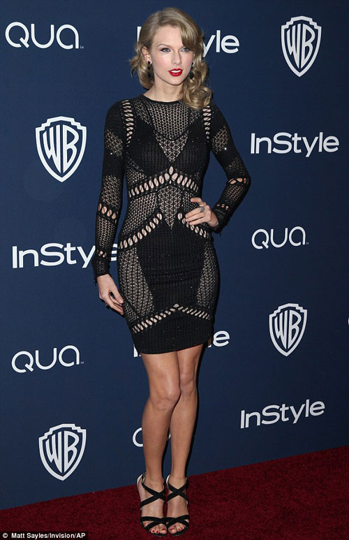 Miranda Kerr mặc bạo như Hồng Quế! - 10