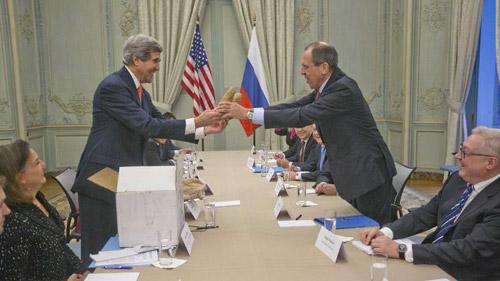 Ngoại trưởng Mỹ làm lành với Nga bằng khoai tây - 1