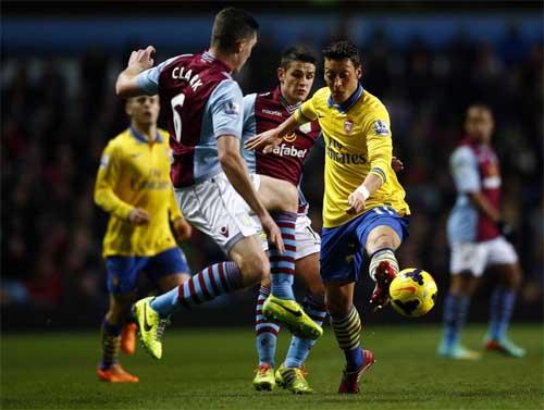 Arsenal: Vượt sức ép, Pháo vẫn là số 1 - 1