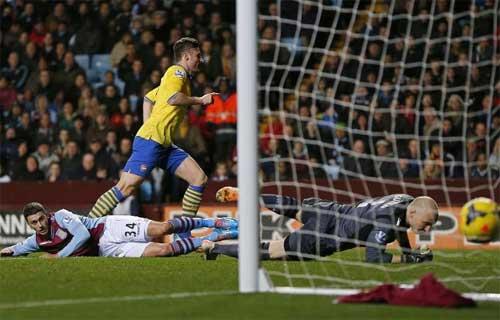 Arsenal: Vượt sức ép, Pháo vẫn là số 1 - 2