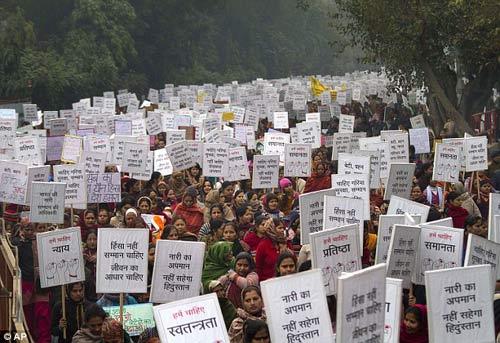 """Ấn Độ: """"Súng chống hiếp dâm"""" bị chỉ trích dữ dội - 2"""