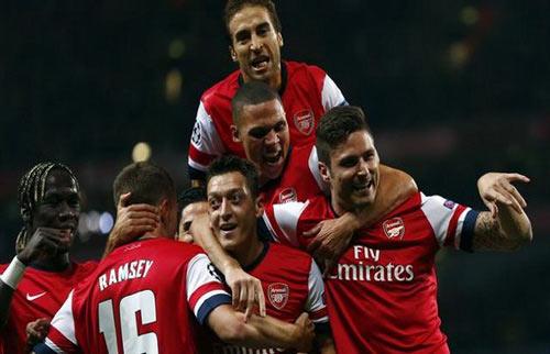 Wenger gia hạn: Arsenal tiếp mộng bá vương - 2