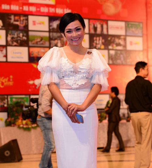 Trang Nhung khoe vòng 1 lộ liễu trên thảm đỏ - 6