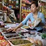 """Thị trường - Tiêu dùng - Cận Tết: Sức mua """"lạnh"""", giá cả lại """"nóng"""""""