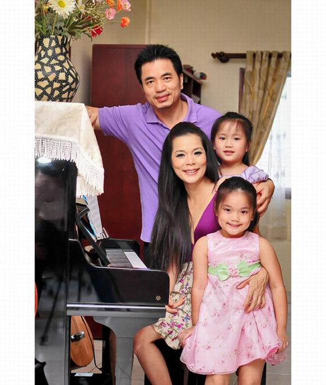 Mỹ Lệ cùng chồng và hai con gái sống trong căn nhà hơn 1.000 m2.