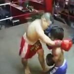 """Video Clip Cười - Trận đấu boxing của 2 """"người lùn"""""""