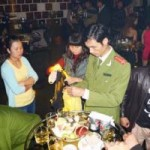 An ninh Xã hội - 50 cảnh sát đột kích quán bar giữa đêm