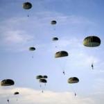 Tin tức trong ngày - Lính Triều Tiên nhảy dù đêm luyện cách xâm nhập