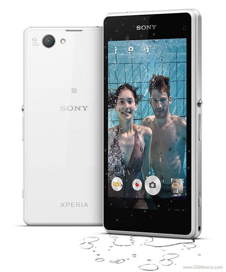 Mẫu smartphone Xperia Z1 Compact được Sony trình làng tại CES 2014 vừa diễn ra, ưu điểm của máy là thiết kế sang trọng, cấu hình tầm trung và công nghệ chống nước tiêu chuẩn IP58.