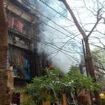 Tin tức trong ngày - HN: Cháy khu tập thể, dân ôm đồ đạc tháo chạy