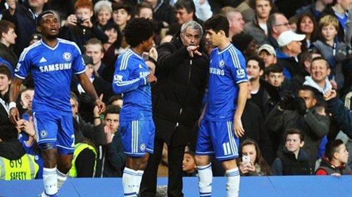 """Nửa năm ở Chelsea: Mourinho vẫn """"đặc biệt"""" - 2"""