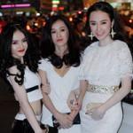 Phim - Angela Phương Trinh dịu dàng bên mẹ và em gái