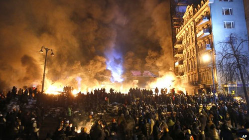 Ukraine: Biểu tình bạo lực ép Tổng thống từ chức - 1